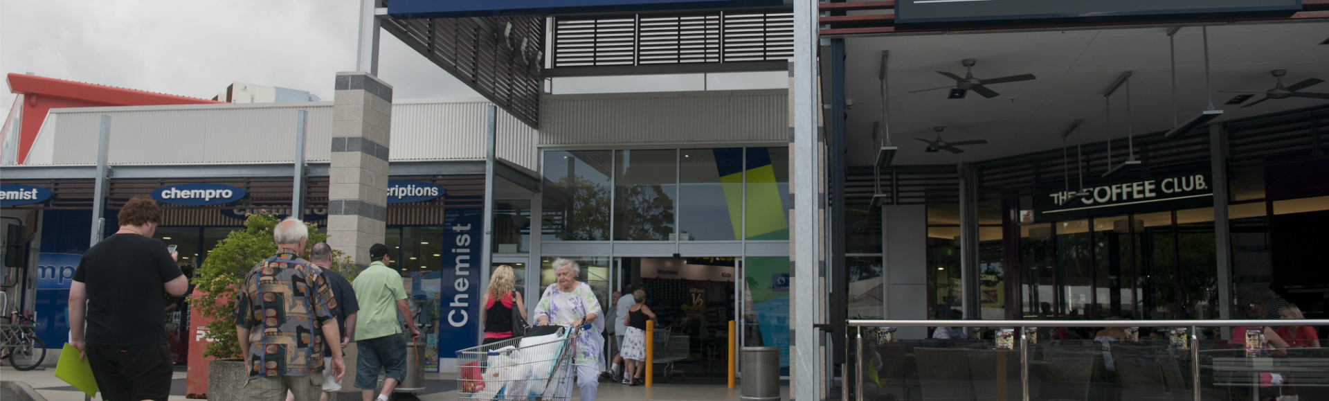 Burleigh Heads Main Entrance to Shopping Centre  1920x580px