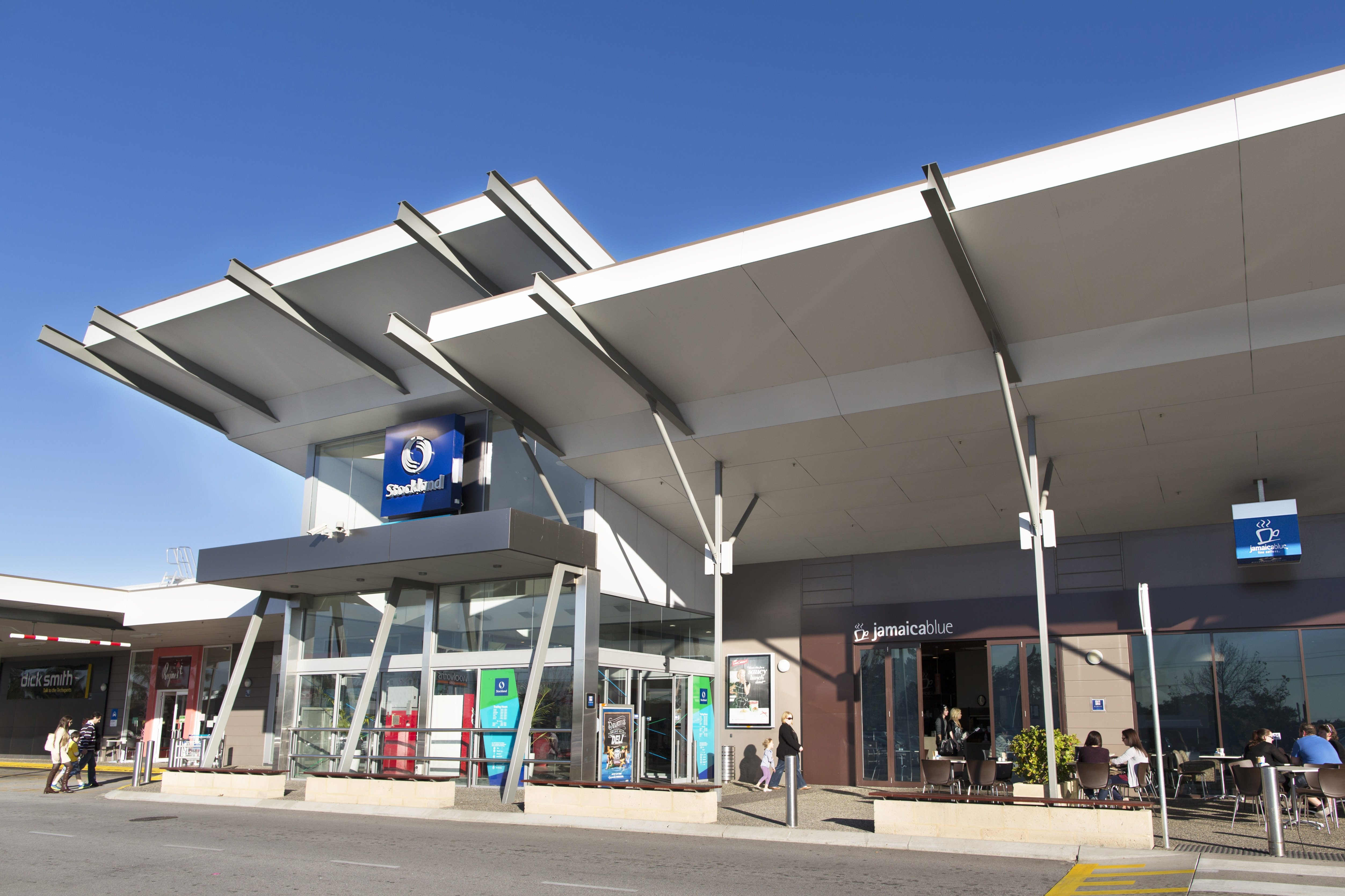 Riverton Shopping Centre Main Entrance 5009x3339px
