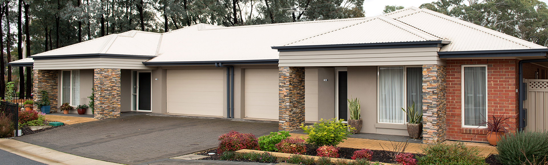 Villas with adjoining garage
