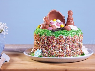 Delicious DIY Easter Cake