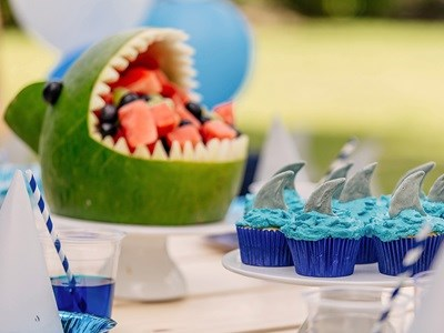 Shark-themed party bites that'll...