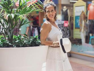 white dress portrait | Stockland Hervey Bay | New Year New You
